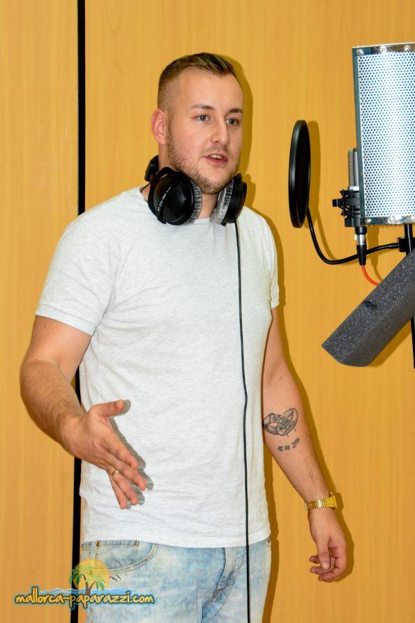 Patrick Lorenz im Tonstudio und 2018 live im Bierkönig